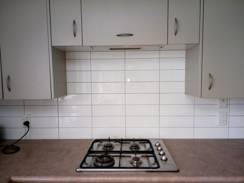 Plain white splashback