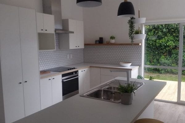 Hexagonal splashback