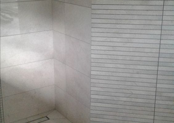 Mitred tile corners